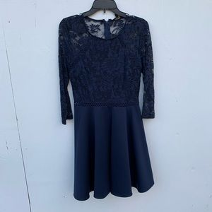 Dresses & Skirts - Lace navy blue formal dress